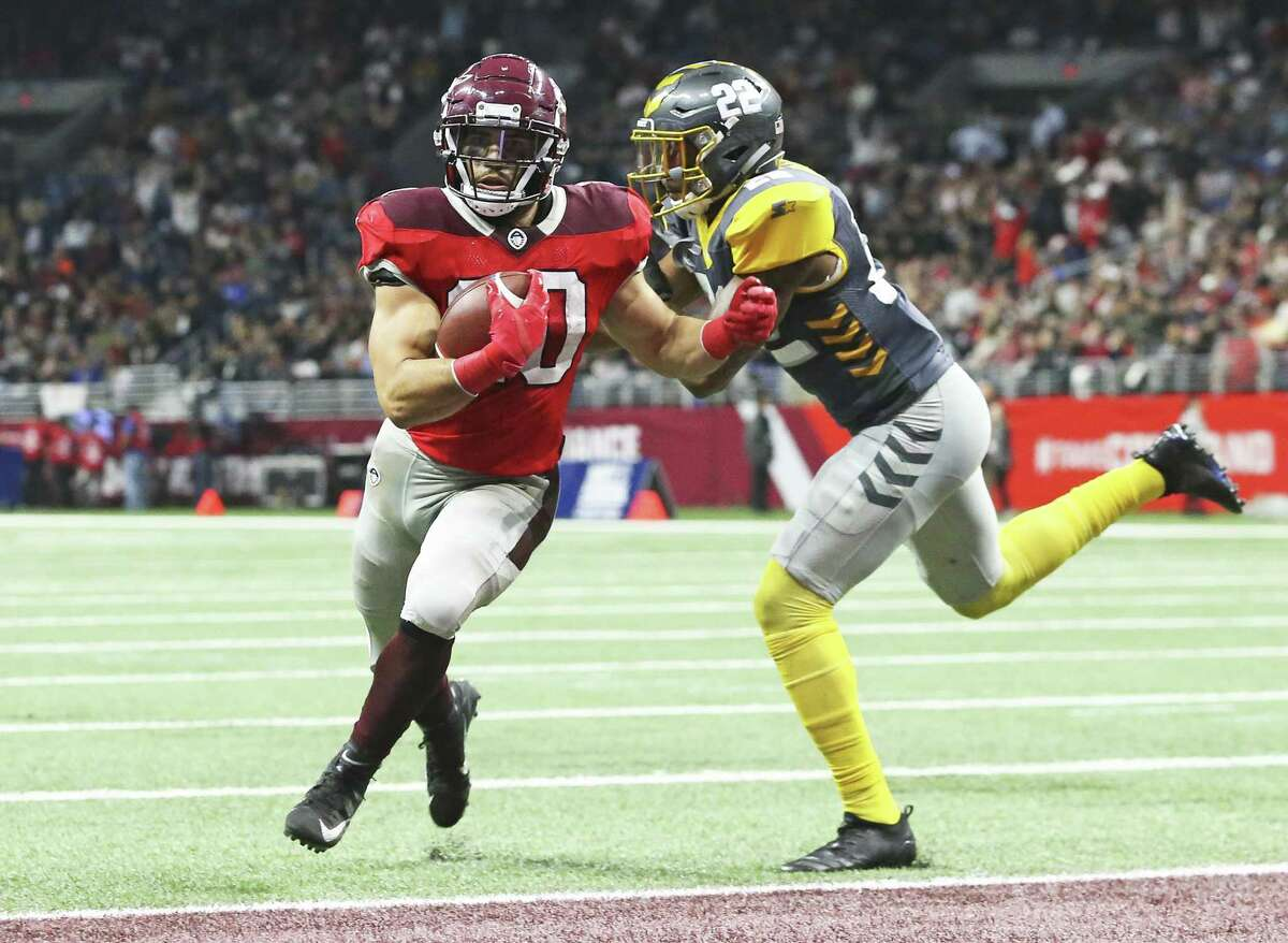 Kenneth Farrow is the first to score a touchdown for San Antonio as the Commanders host San Diego at the Alamodome in the opening game for the Alliance of American Football league on February 9, 2019.