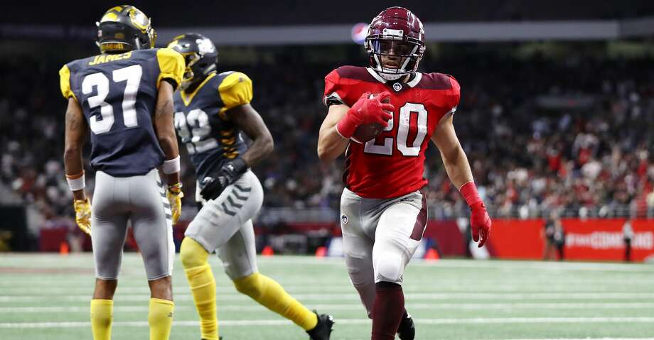 SAN ANTONIO, TEXAS - FEBRUARY 09: Kenneth Farrow II #20 of the San Antonio Commanders scores a touchdown during the fourth quarter against the San Diego Fleet in an Alliance of American Football game at the Alamodome on February 09, 2019 in San Antonio, Texas. (Photo by Ronald Martinez/AAF/Getty Images) Photo: Ronald Martinez/AAF/Getty Images