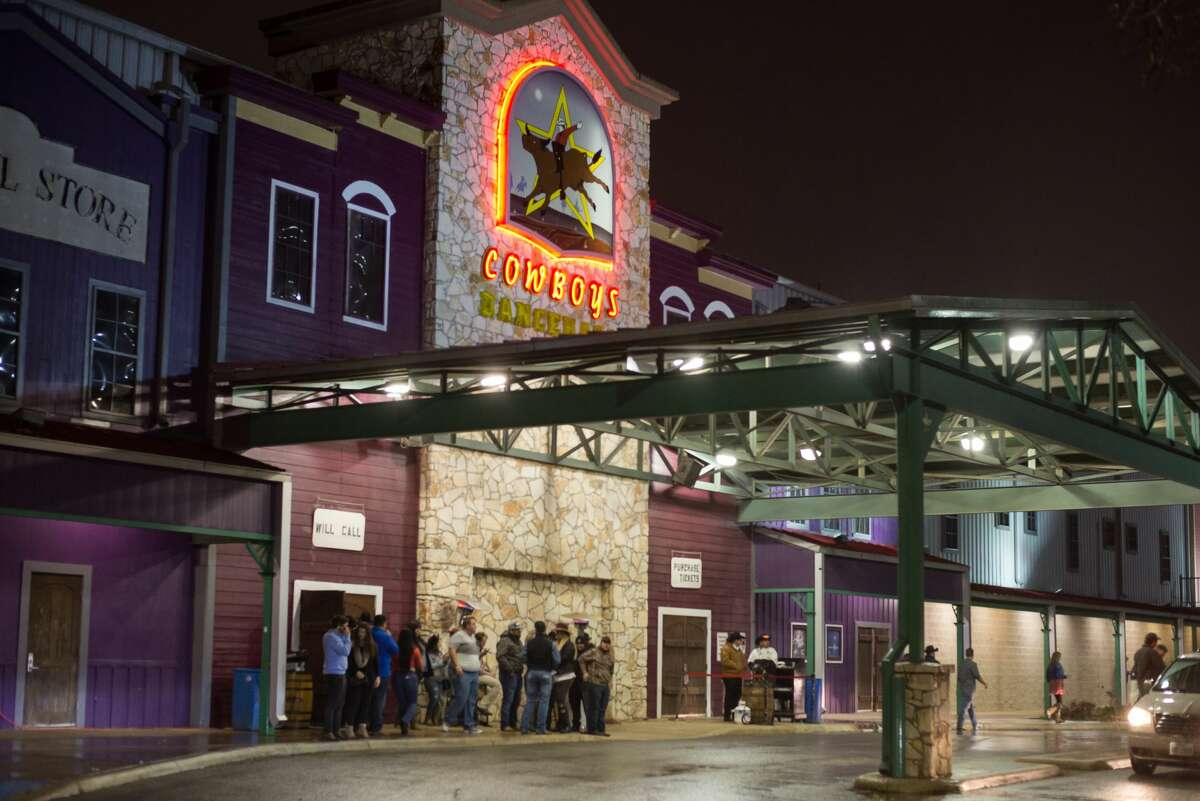 Cowboys Dancehall wasn't cited for its long lines this weekend, according to SAFD.