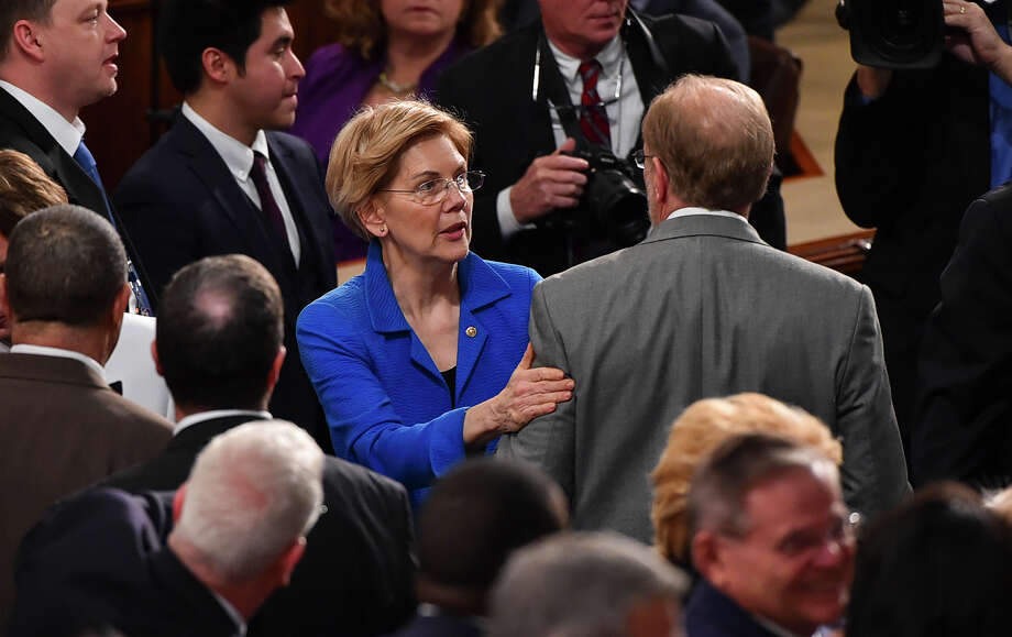 Sen. Elizabeth Warren, D-Mass., arrives on the floor ahead of the State of the Union address in the House on Tuesday, Feb. 5, 2019, in Washington. Photo: Washington Post Photo By Ricky Carioti. / The Washington Post