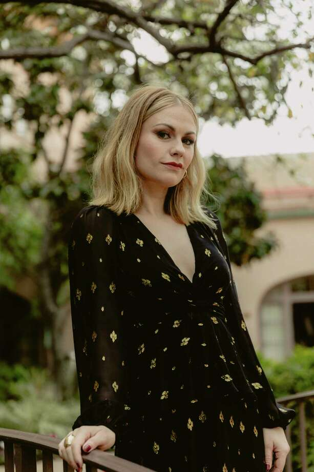 "PHOTO MOVED IN ADVANCE AND NOT FOR USE - ONLINE OR IN PRINT - BEFORE FEB. 10, 2019. —  Anna Paquin in Pasadena, Calif., Jan. 30, 2019. Paquin plays a morally questionable publicist in her new role in Pop TV's ""Flack."" (Elizabeth Weinberg/The New York Times) Photo: ELIZABETH WEINBERG / NYTNS"