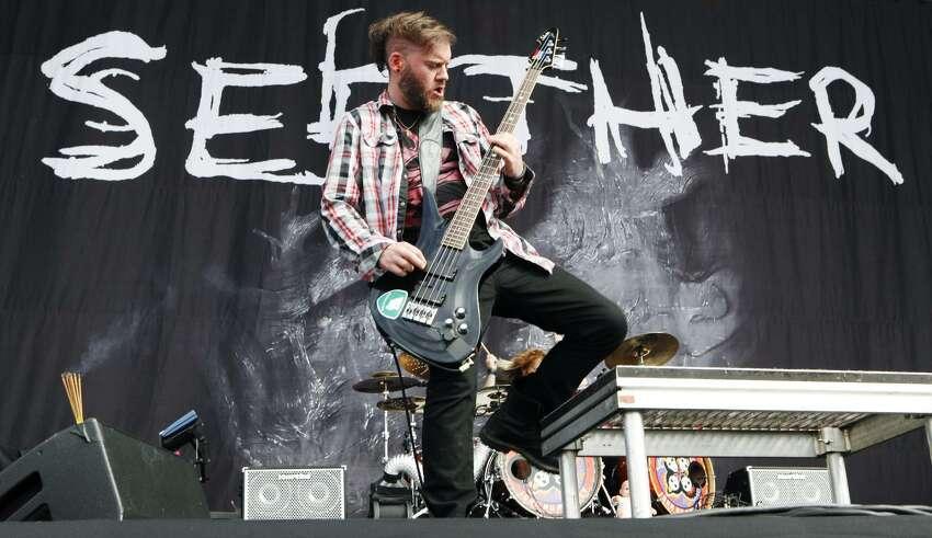 Seether(Bud Light/99.5 KISS Stage) Saturday, April13
