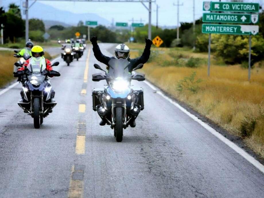 """Motociclistas de diversos estados de la República Mexicana pertenecientes a la organización Motorrad Federación México, organizaron una """"rodada"""" en el estado de Tamaulipas para celebrar su Convención 2019. Photo: Foto De Cortesía /Gobierno Del Estado De Tamaulipas"""