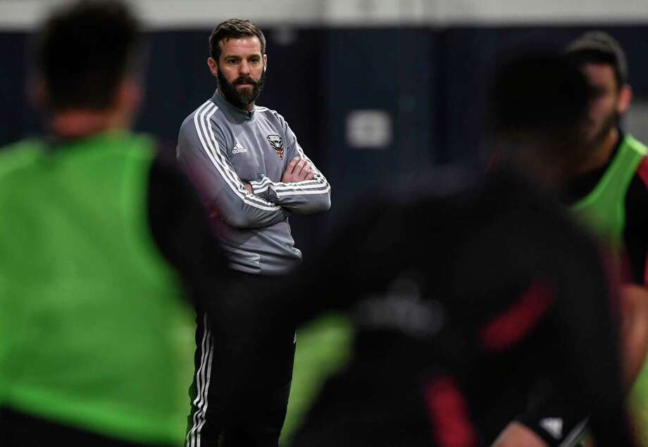 D.C. United coach Ben Olsen keeps an eye on his players during practice at The St. James in Sterling, Virginia, on Wednesday, Jan. 23, 2019. Photo: Washington Post Photo By Toni L. Sandys. / The Washington Post