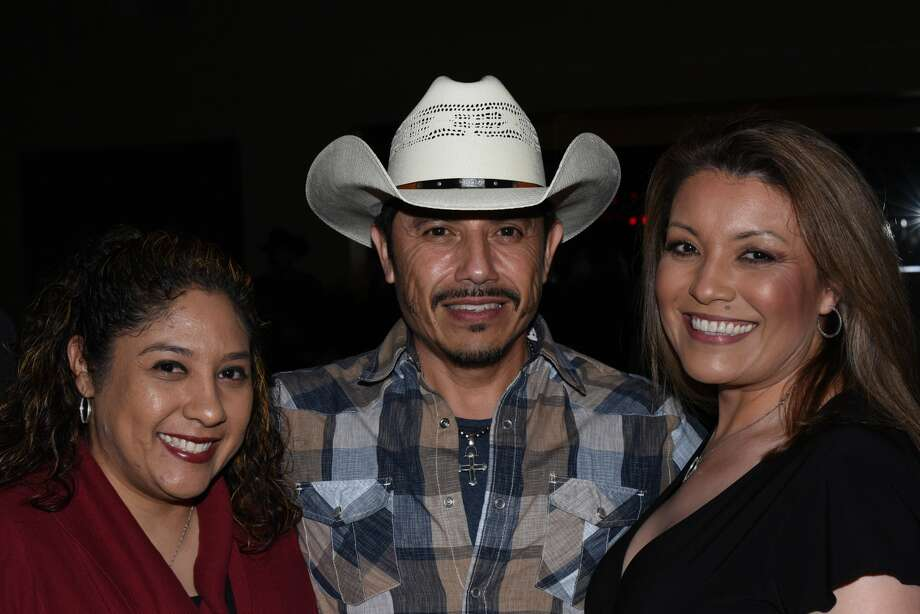 Delma Vargas, Alejandra Arriaga and Veronica Valdez pose for a photo during the Siggno 2019 Tour. Photo: Christian Alejandro Ocampo