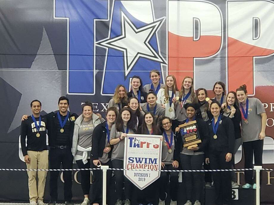The St. Agnes Academy swimming and diving team won its fourth consecutive TAPPS Division I state championship Feb. 8 in Mansfield. The Tigers amassed 420 points for a dominant 190-point margin of victory. Photo: TAPPS / TAPPS