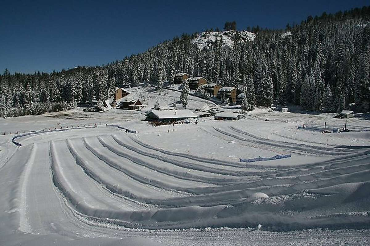 Leland High Sierra Snow Play provides tows to the hilltop so youngsters and their parents do not have to walk up the hill -- price includes saucers and tubes. It is located near Strawberry on Highway 108.