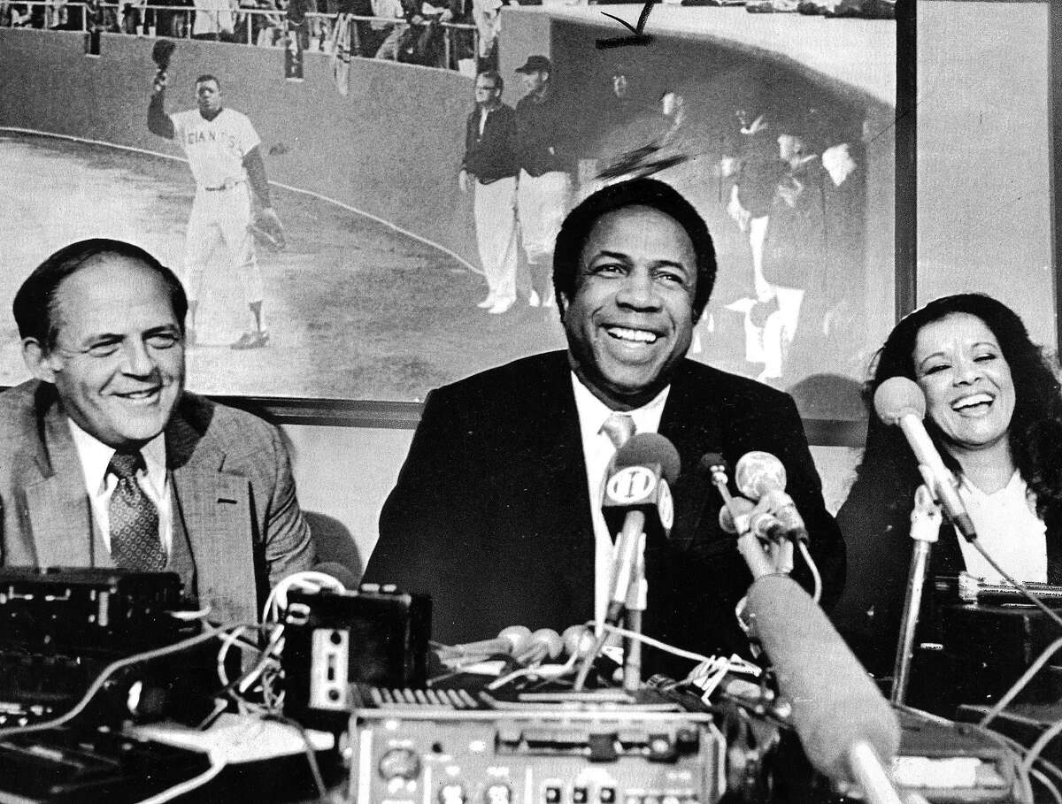 Death threats, bigotry, courage: Behind Giants' historic hiring of Frank Robinson