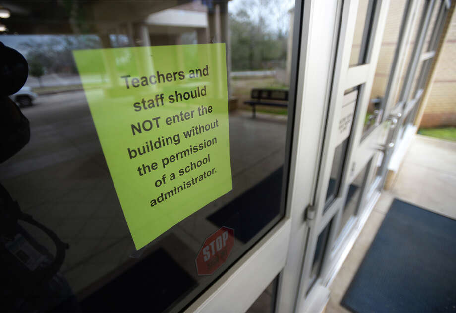 Newton Independent School District are closing their campuses this week after an employ was treated for meningitis. The elementary school will undergo a cleaning Tuesday and Wednesday.  A sign at the elementary school advises Monday that no one enter the building. Photo taken Monday, 2/11/19 Photo: Guiseppe Barranco/The Enterprise / Guiseppe Barranco ?