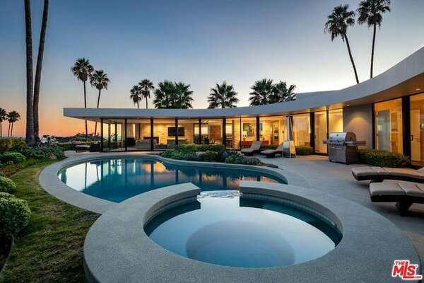 The four-bedroom, four-bathroom home was fully updated with high-tech amenities you'd expect to see in a home owned by the Tesla and SpaceX founder.