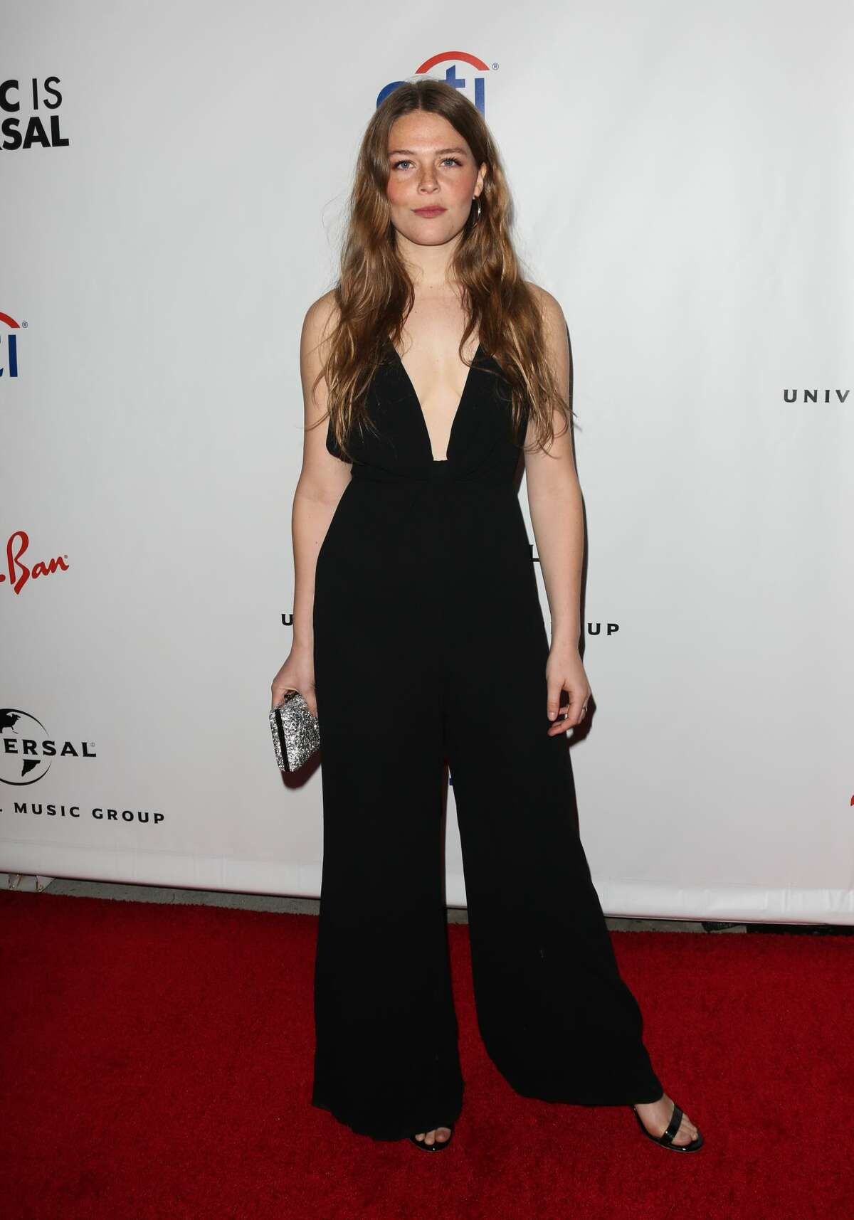 LOS ANGELES, CALIFORNIA - FEBRUARY 10: Singer Maggie Rogers attends the Universal Music Group's 2019 after party to celebrate The GRAMMYs at ROW DTLA on February 10, 2019 in Los Angeles, California. (Photo by Paul Archuleta/FilmMagic)