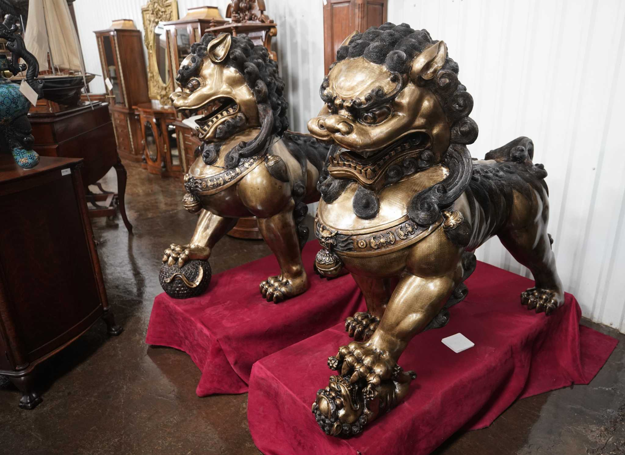 Longtime Houston antiques dealers are closing up shop