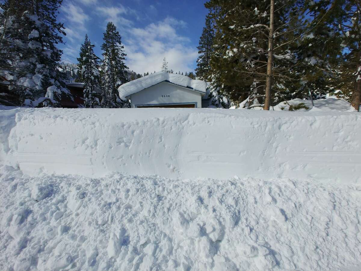 Jeffrey Spencer, a Tahoe-area local, shares photos of the very snowy weekend.