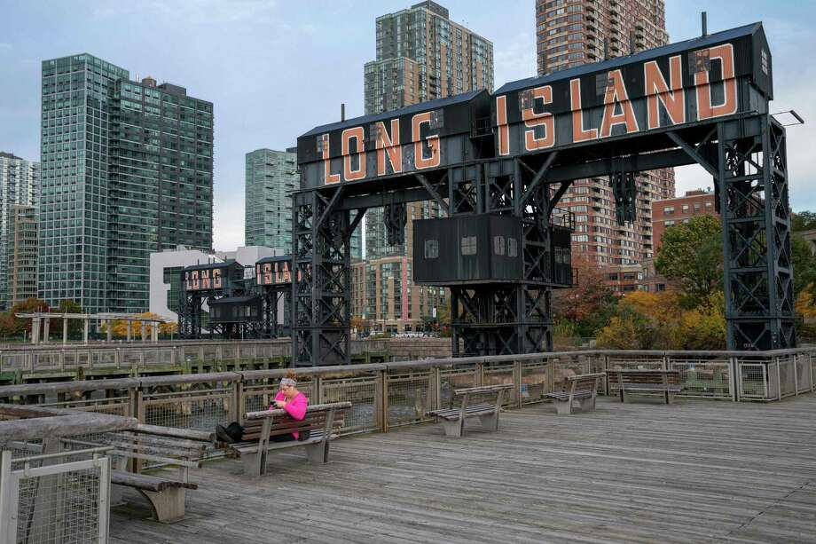 A view of the waterfront of Long Island City in the Queens borough of New York, along the East River, where Amazon is expected to put its new headquarters. Photo: DON EMMERT / AFP /Getty Images / AFP or licensors