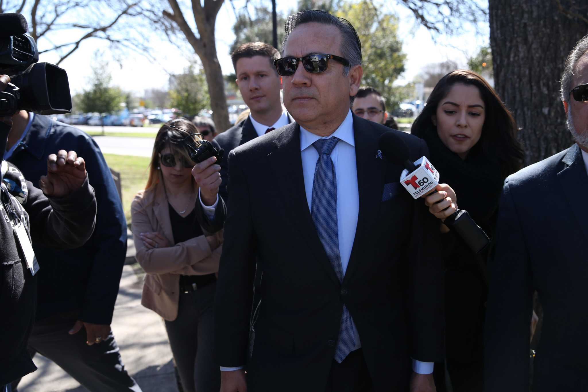 Ex-Uresti staffer gets 8 months in prison on bank fraud charge