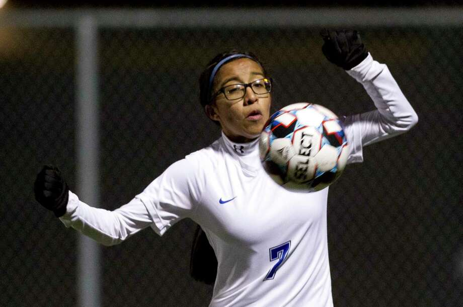 New Caney forward Itzhel Garcia (7) controls the ball during the first period of a District 20-5A high school soccer match at Lake Creek High School, Tuesday, Jan 29, 2019, in Montgomery. Photo: Jason Fochtman, Houston Chronicle / Staff Photographer / © 2019 Houston Chronicle