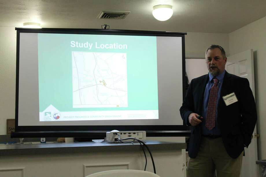 Lonnie Anderson with Harris County Engineering Department gave a presentation on the intended effects of increasing flood mitigation in the Memorial Hills subdivision on Feb 12, 2019. Photo: Chevall Pryce