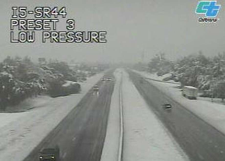 I-5 in Northern California closes due to snow