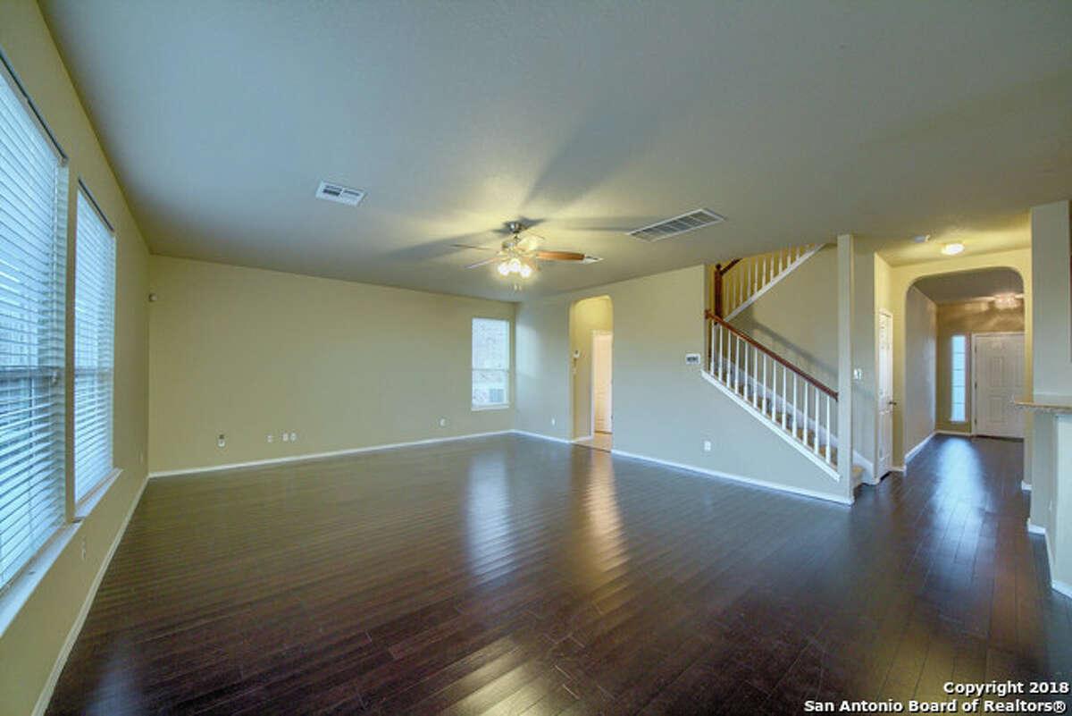 11524 Valley GdnSan Antonio, TX 78245: $230,0004 beds| 2 Full - 1 1/2 Bath| 2,704 sq ft.| Year built: 2009