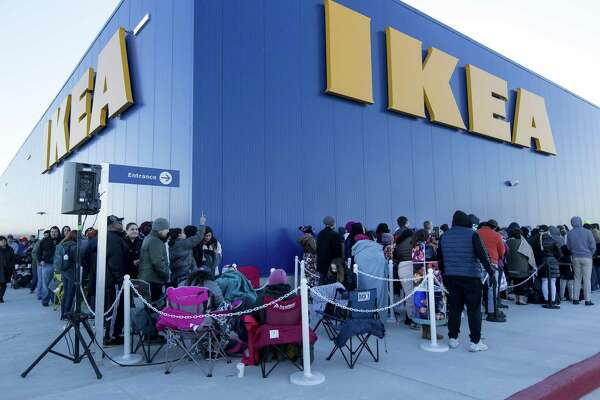 13 2019 Outside The Live Oak Ikea As They Wait For Doors To Open During S Grand Opening San Antonio Area