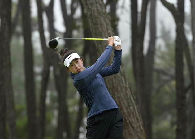 Concord golfer Yealimi Noh, 17, turns pro with grand ambitions