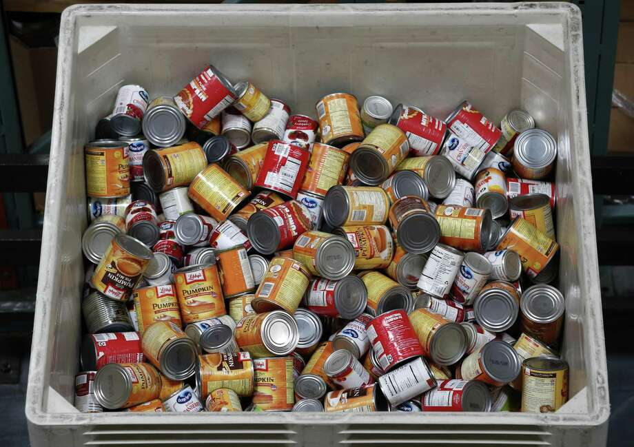 The Monroe Food Pantry is seeking donations Photo: Paul Chinn / The Chronicle / ONLINE_YES