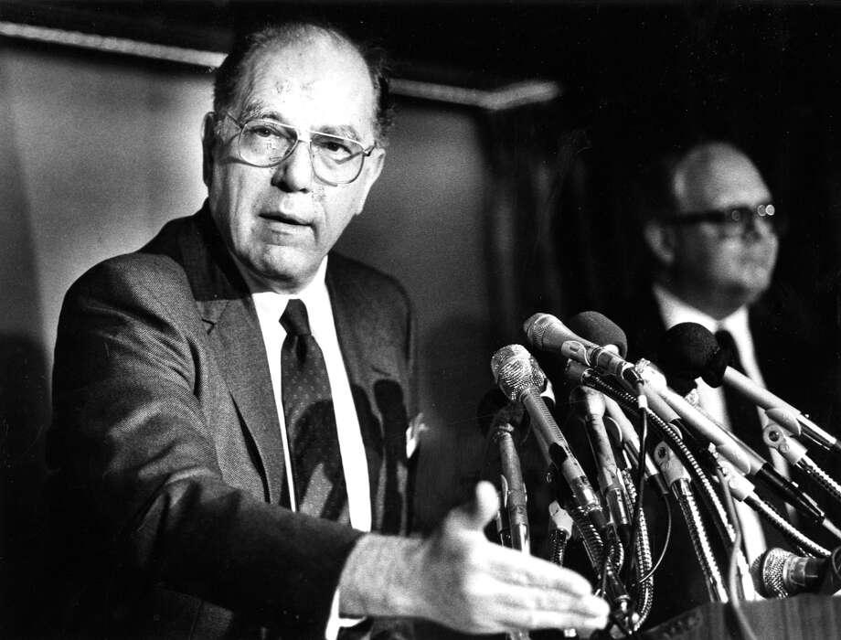 Lyndon La Rouche speaks at a news conference in 1988. Photo: Washington Post Photo By Joel Richardson / The Washington Post
