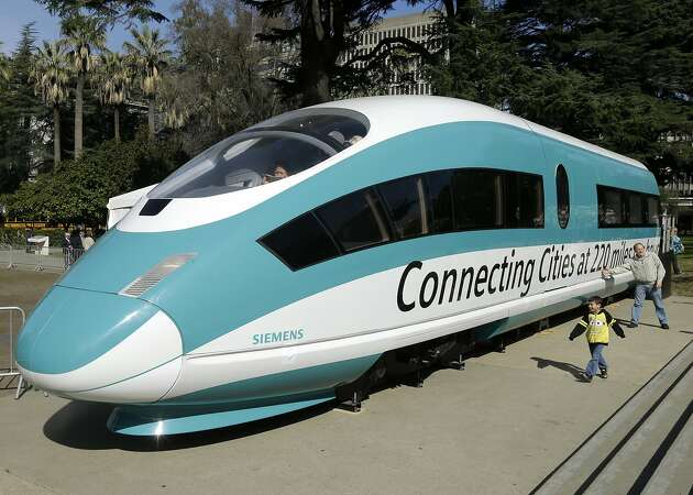 In Merced, some are bewildered by Newsom's high-speed-rail decision