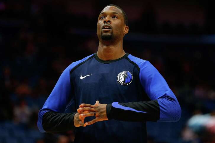 Harrison Barnes #40 of the Dallas Mavericks warms up before a game against the New Orleans Pelicans at the Smoothie King Center on December 28, 2018 in New Orleans, Louisiana.