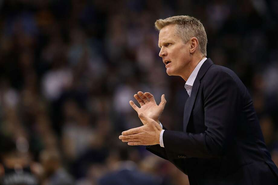 Head coach Steve Kerr of the Golden State Warriors reacts during the first half of the NBA game against the Phoenix Suns at Talking Stick Resort Arena on February 08, 2019 in Phoenix, Arizona. Photo: Christian Petersen / Getty Images
