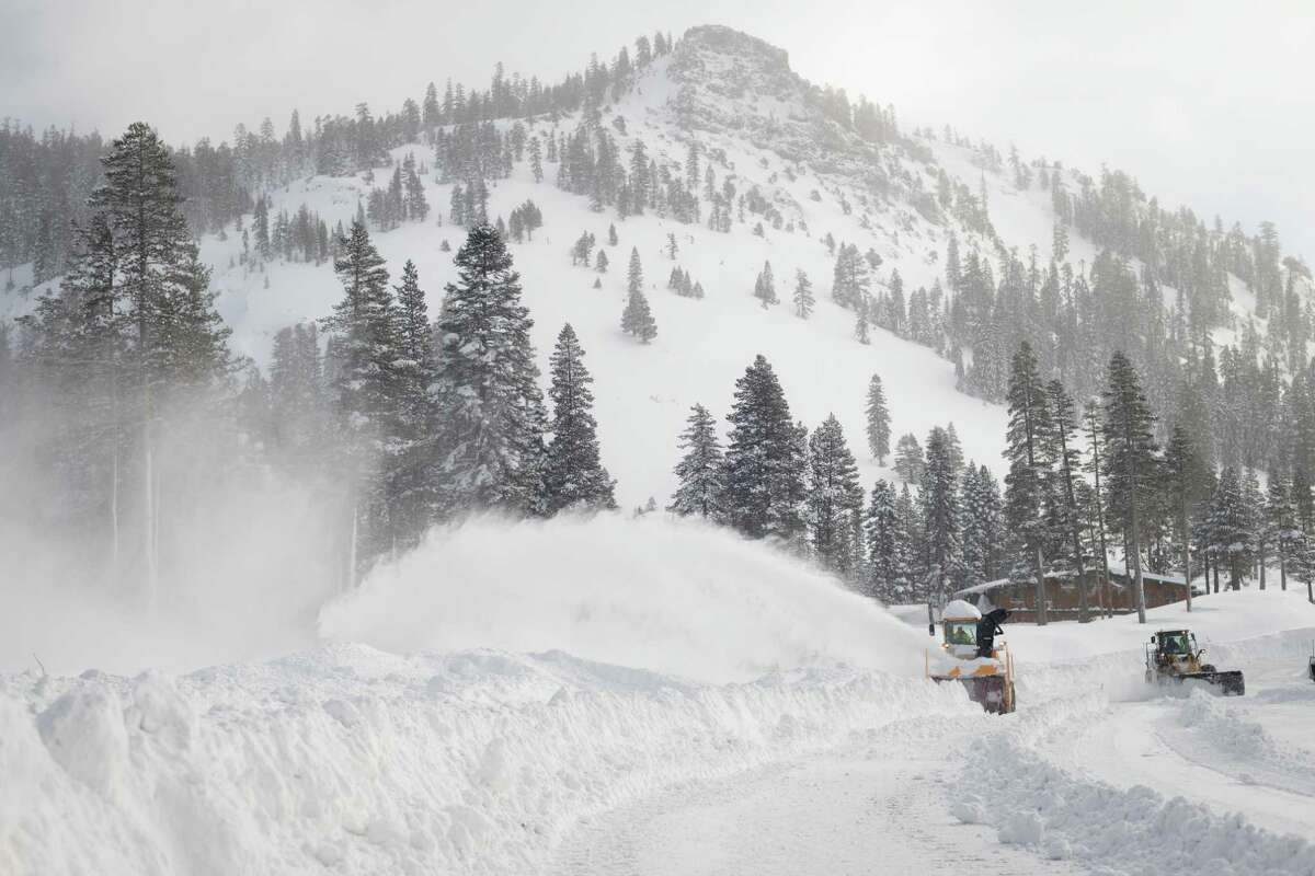 Squaw Valley Alpine Meadows New Snow Photos