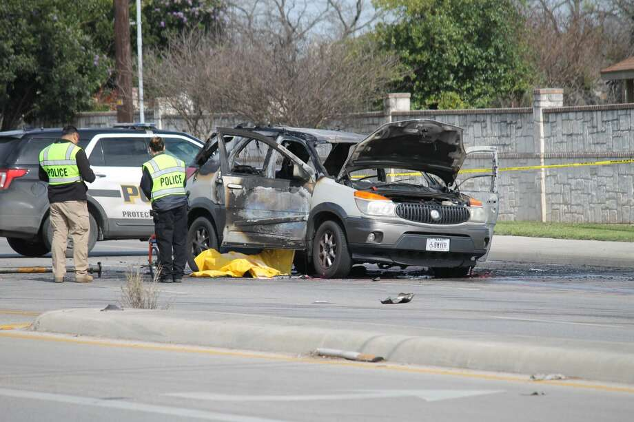 A man was killed on Culebra Road when a traffic signal ruptured his gas tank and caused the car to combust on Feb. 14, 2019 Photo: Fares Sabawi/San Antonio Express