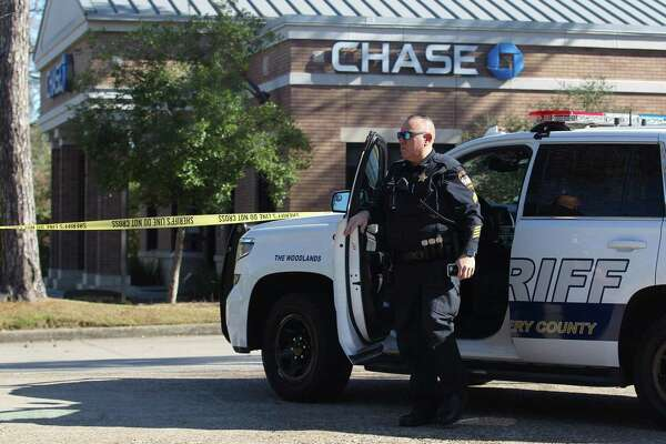 Images show suspect in Woodlands bank robbery - ExpressNews com