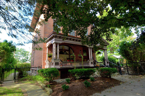 House of the Week: 39 Franklin St., Saratoga Springs | Realtor: Celia Dillon of Howard Hanna Real Estate | Discuss: Talk about this house