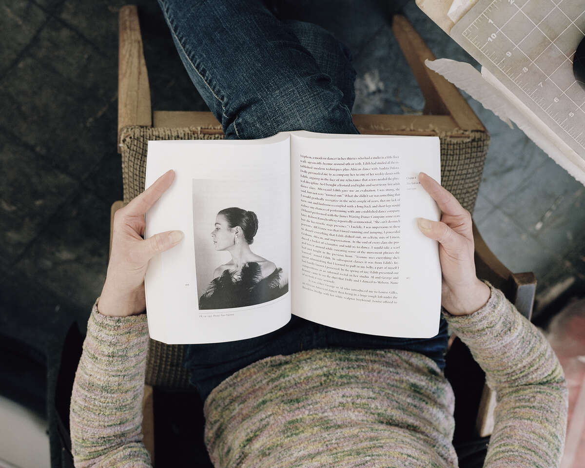 """""""Holly reading Yvonne Rainer"""" Carrie Schneider (photograph) (Courtesy: UAlbany)"""