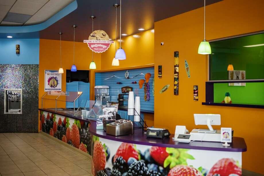 Tiki Pineapple opens Saturday, Feb. 16, 2019 at 1908 S. Saginaw Road in Midland Plaza (near Jimmy John's) and specializes in dairy-free Dole soft serve ice cream. (Katy Kildee/kkildee@mdn.net) Photo: (Katy Kildee/kkildee@mdn.net)