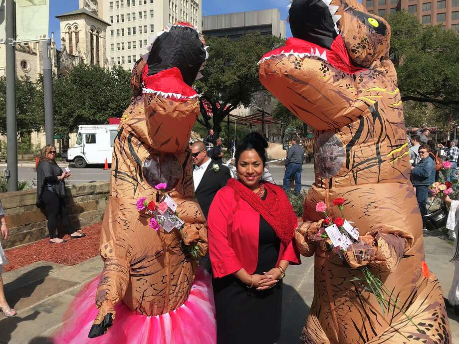 It's been a year of roaring bliss for a San Antonio couple who got married last Valentine's Day at the Bexar County Courthouse and they celebrated their anniversary with a cameo appearance on Thursday. Photo: Bexar County