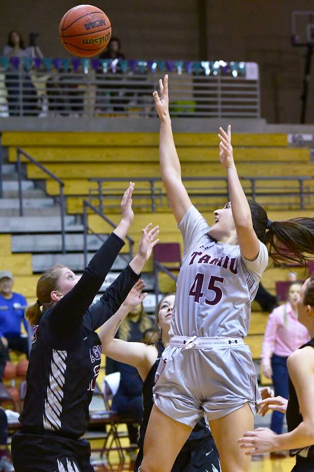 Christine Ortega had a team-high 14 points in the Dustdevils' 71-54 loss to Oklahoma Christian on Thursday night. Photo: Cuate Santos /Laredo Morning Times / Laredo Morning Times