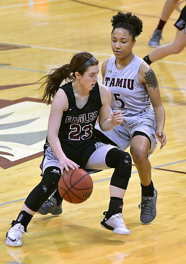 TAMIU led through most of the half but lost 60-48 against second-place Newman at home Saturday. Tacoya Allen had 11 points leading the Dustdevils' bench to its second straight outing outscoring their opponent's second unit. Photo: Cuate Santos /Laredo Morning Times File / Laredo Morning Times