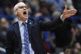 Connecticut head coach Dan Hurley calls an inbounds play from the sideline against Houston at XL Center in Hartford, Conn., on Thursday, Feb. 14, 2019. Houston won, 71-63. (Brad Horrigan/Hartford Courant/TNS)