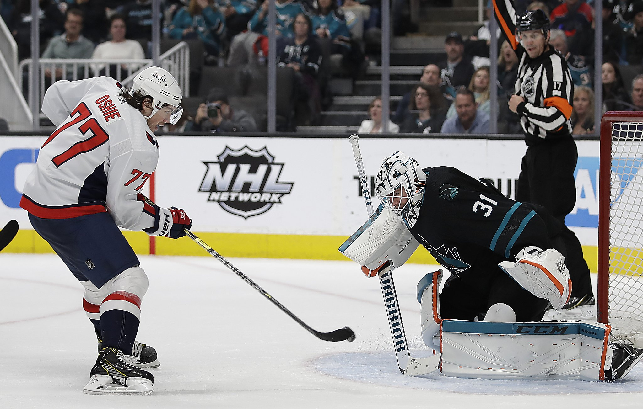 01ba555ef59 Sharks  winning streak ends with 5-1 loss to Capitals - SFChronicle.com