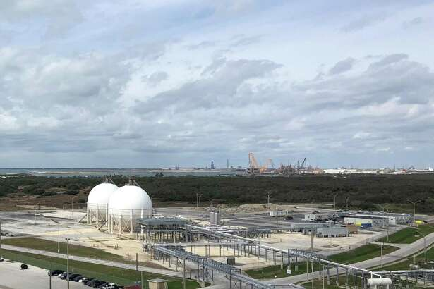 Houston marine terminal operator Moda Midstream is looking to break into the liquefied petroleum gas export market. Housed in metallic spheres, liquefied natural gases such as propane and butane can be exporter from the company's facility in Ingleside, Texas.