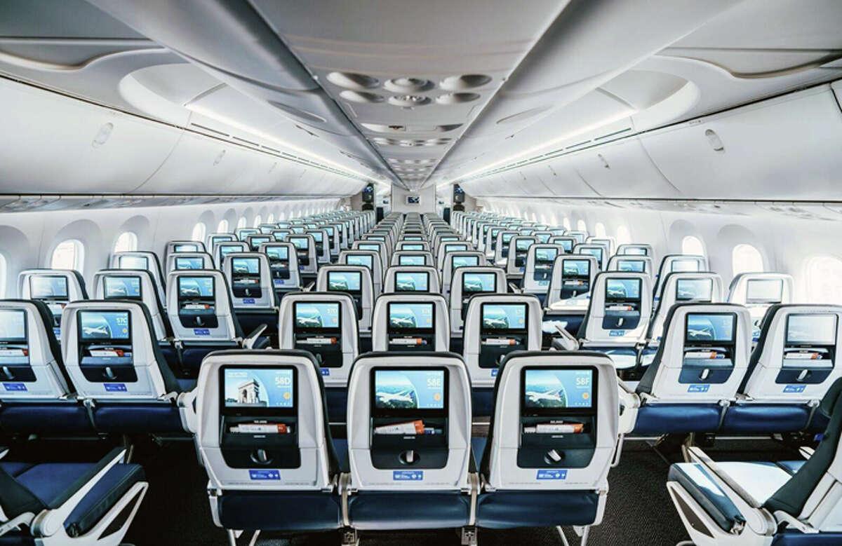United's 787-10 has nine-across economy seating.