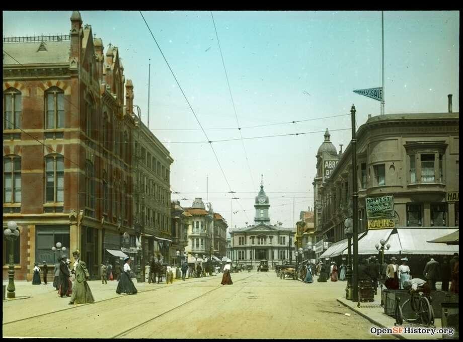 Circa 1900 Looking north on Washington St. toward City Hall. Photo: OpenSFHistory / Wnp59.00118.jpg