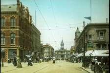Circa 1900 Looking north on Washington St. toward City Hall.