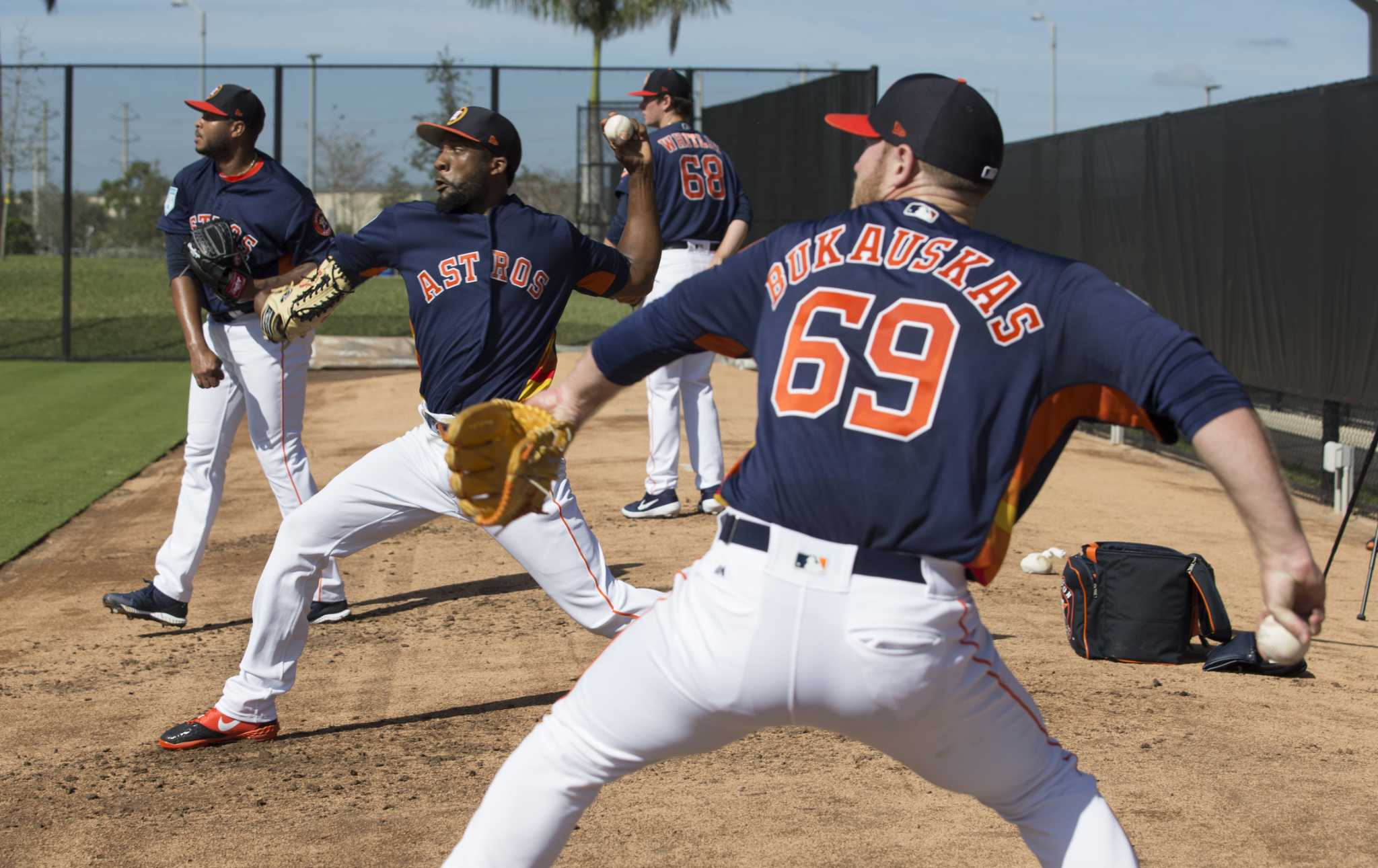 Extra Innings: Hinch fine with young Astros being awestruck