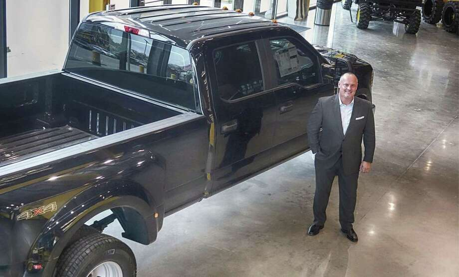 Ford Dealership Houston >> Dealership Spotlight Doggett Sees Big Bright Picture For