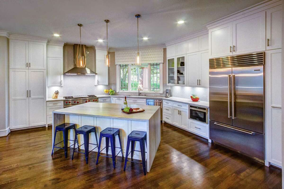 Marci and Mark Arnold recently finished the renovation of the first floor of their Boulevard Oaks home. Their contractor was Premium Remodeling and Missy Stewart Designs did the interior design work.