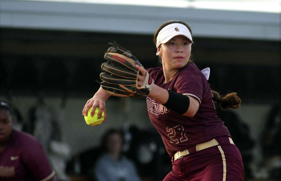 Summer Creek sophomore pitcher Derika Castillo makes a play to first base against a Katy Paetow hitter during their matchup in the Katy ISD Invitational Varsity Softball Tournament at Paetow High School on Feb.14, 2019. Photo: Jerry Baker, Houston Chronicle / Contributor / Houston Chronicle
