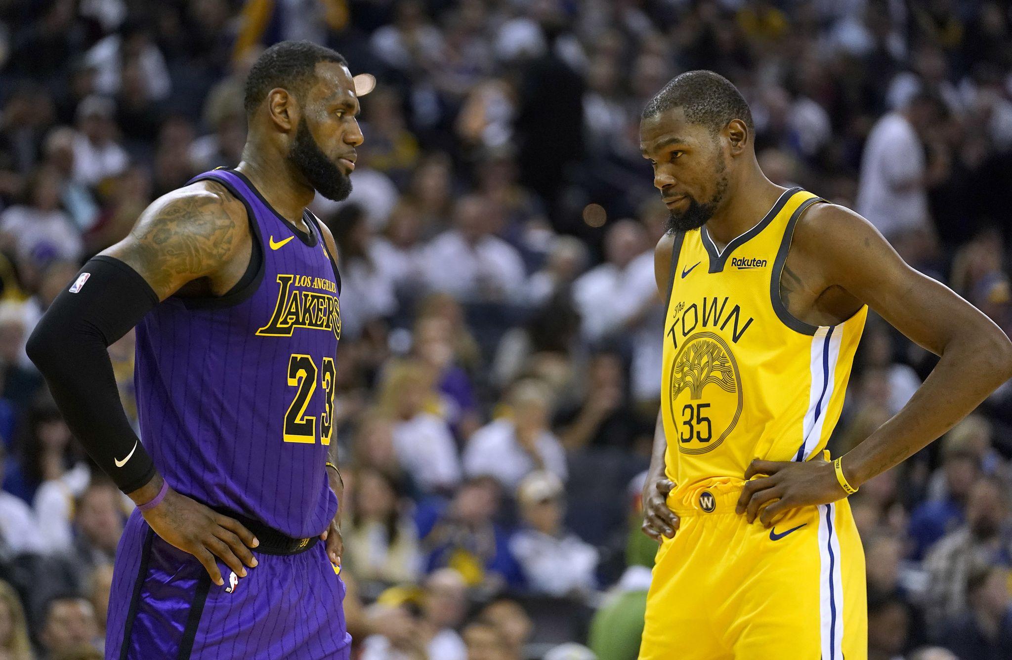 962212209ac2 NBA stars LeBron James, Kevin Durant stand with Colin Kaepernick - Houston  Chronicle